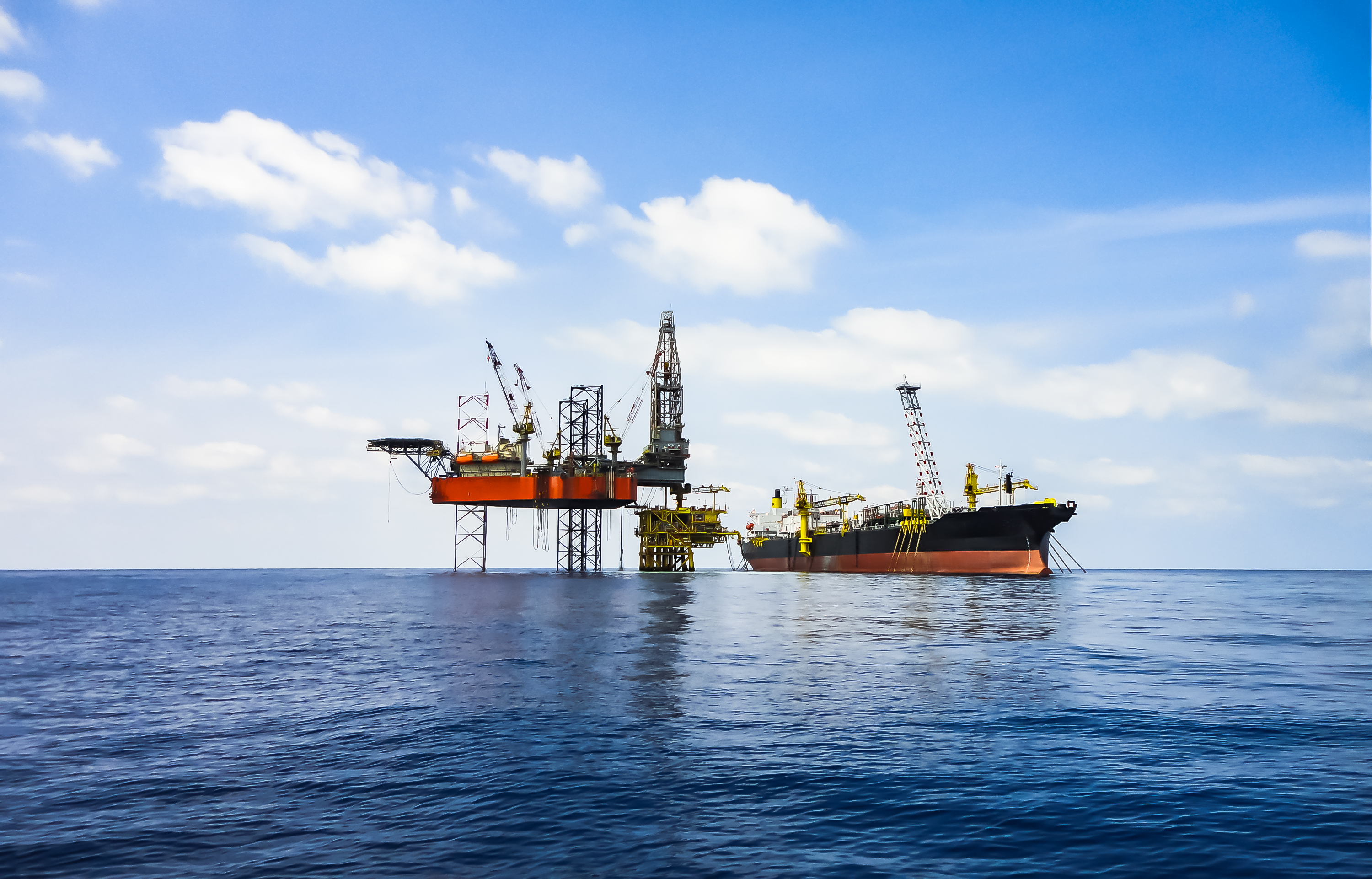 Oil rig: jackup and FPSO